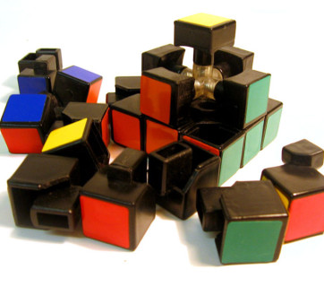 800px-Disassembled-rubix-1